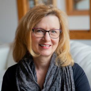 Kathy Glynn Headshot